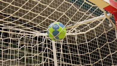 Photo of Handbalveld van JHC krijgt nieuwe toplaag