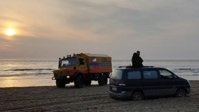 Photo of Spaans echtpaar vast op strand Den Helder
