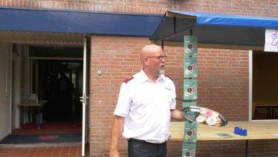 Photo of Helderse afdeling Leger des Heils deelt honderden donuts uit (video)