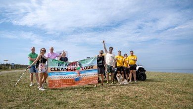 Photo of Beach clean-up tour Daan Strang tropisch van start