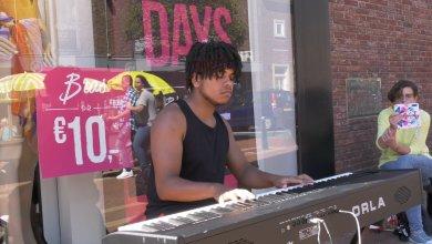 Photo of Tyrell speelt elke dinsdag op de Juttersmarkt (video)