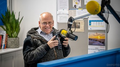 Photo of Cor Buschman 50 jaar op de radio! (video)