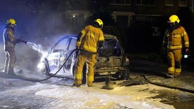 Photo of Auto brandt volledig uit in de Schooten
