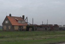 Photo of Politie doet onderzoek naar oorzaak brand boerderij Middenmeer