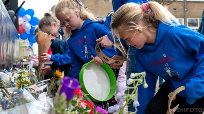 Cadeautjes en bloemen voor de spelers werden keurig op naam achtergelaten (DHfoto)