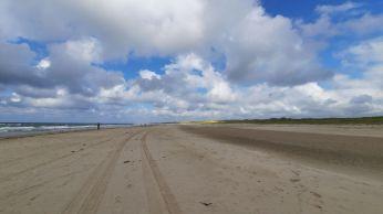 Een flink stuk strand zit ook in deze route