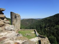 esplanade du château de La Rochetaillée