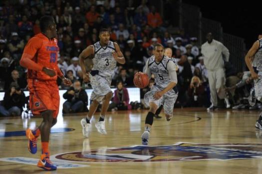 basketballers playing