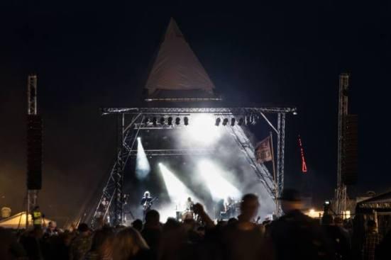 Strobelys blitzede i ryggen på The Entrepreneurs i den 45 minutter lange koncert  (Billede fra The Entrepreneurs Facebook-side)