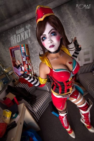 yugana as mad moxxi