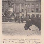Les grilles de protection de la statue de Louis XV à Reims