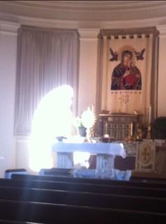 Resultado de imagen para virgen maria aparicion en altar