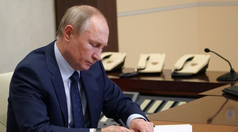Putin Ajak Semua Negara Buat Kesepakatan Bersama Untuk Mengatur Penggunaan Internet