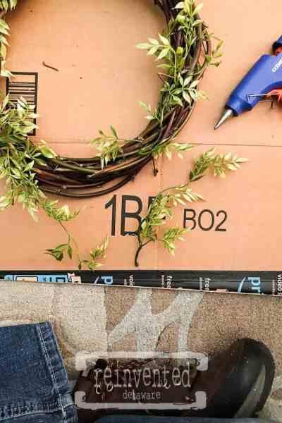 Easy Handmade Wreath Tutorial