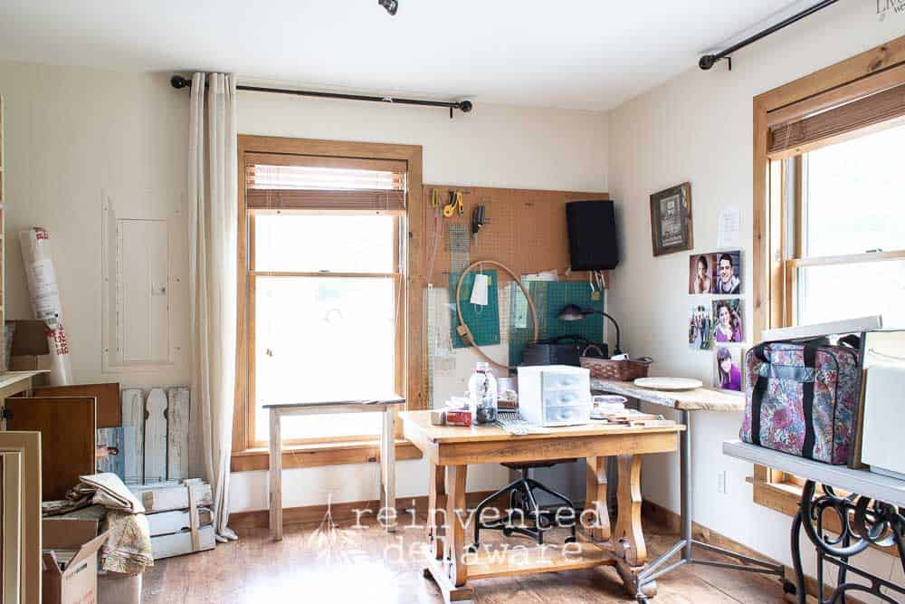 It was high time to make some changes in my sewing room. Changes that I actually enjoy. Honestly, I have been wanting to do this sewing room makeover for some time anyway. #roommakeover #diyhomeimprovement #farmhousehomedeco