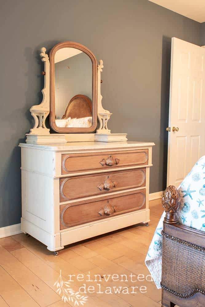 Finally, I am able to share with you the finished result of this furniture makeover!!  I have been so excited to share this transformation with you so let's get to it! #vintagefurniture #furnituremakeover #antiquefurniture