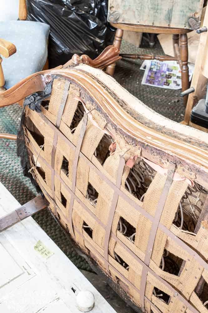 Want to learn how to reupholster an antique settee? I will take you step by step through the process of how to reupholster this gorgeous antique settee! #reupholster #furnitureflip #vintagefurniture