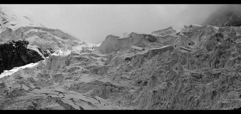 Cordillera Blanca monochrom (2) – Chopicalqui
