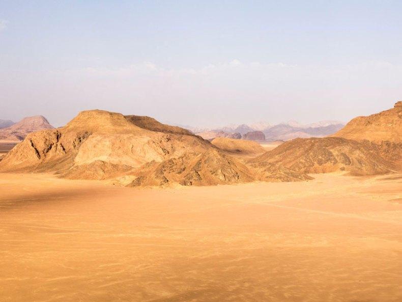 Zwischen Himmel und Wüste