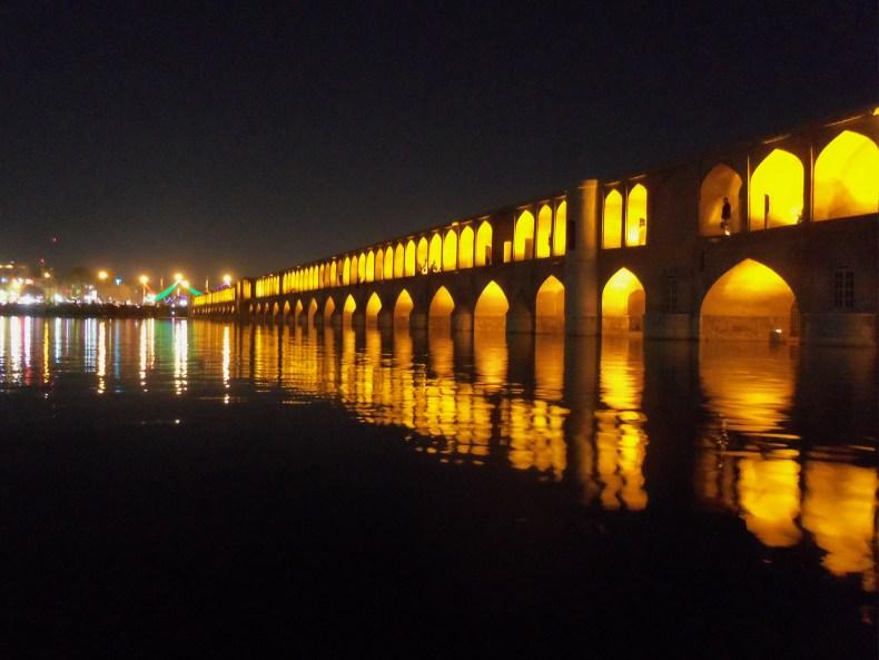 Iran Teil 2 – Vollmond über der Moschee