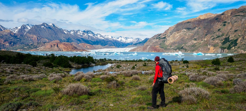 Dominik vor dem Viedma Gletscher