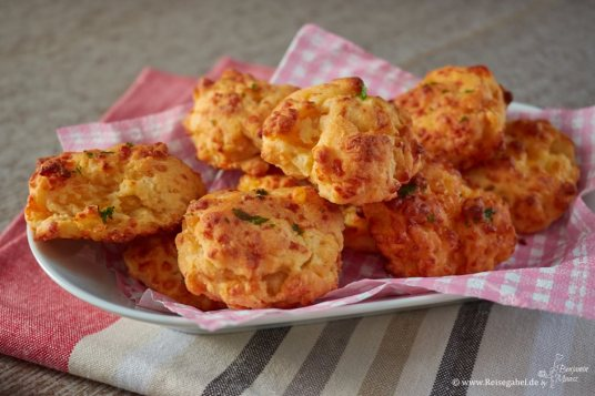 Cheddar-Biscuits-1
