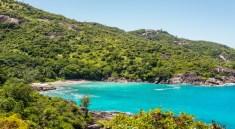 Eine der wunderschönen Buchten auf den Seychellen (F.: Bigstockphoto.com/byvalet)