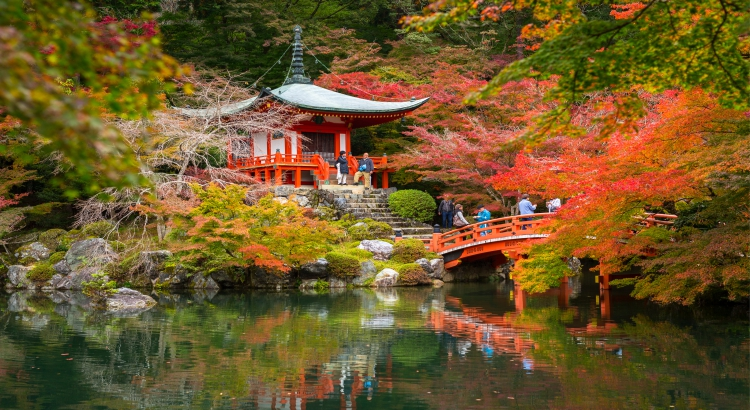 Das Leben mit Mönchen kann in einem solchen japanischen Tempel genossen werden. (F.: Bigstockphoto.com/Patryk Kosmider)