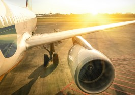 Flugreisen: Auf den richtigen Zeitpunkt kommt es an (F: Bigstock / viewapart)