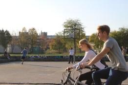 Fahrrad fahren in Berlin Mauerpark