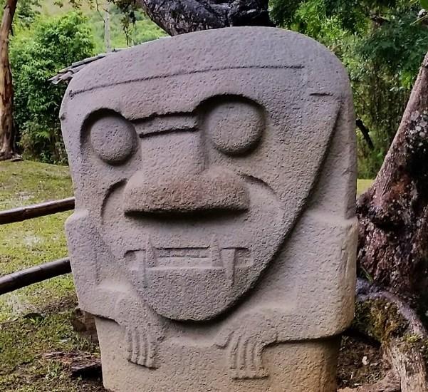 48 – gräber_san agustín_kolumbien (601×1024)