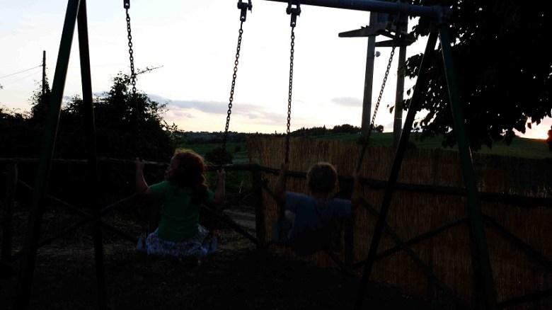 """Mit dem Urlaubsfreund auf """"Le More"""" in den Sonnenuntergang schaukeln..."""