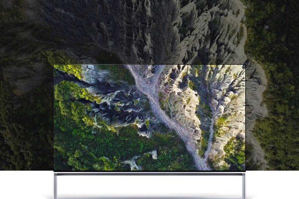 TV-SIGNATURE-OLED-Z9-02-Real-8K-Desktop_t1