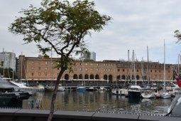 Am Hafen von Barcelona - reisenmitkids.de