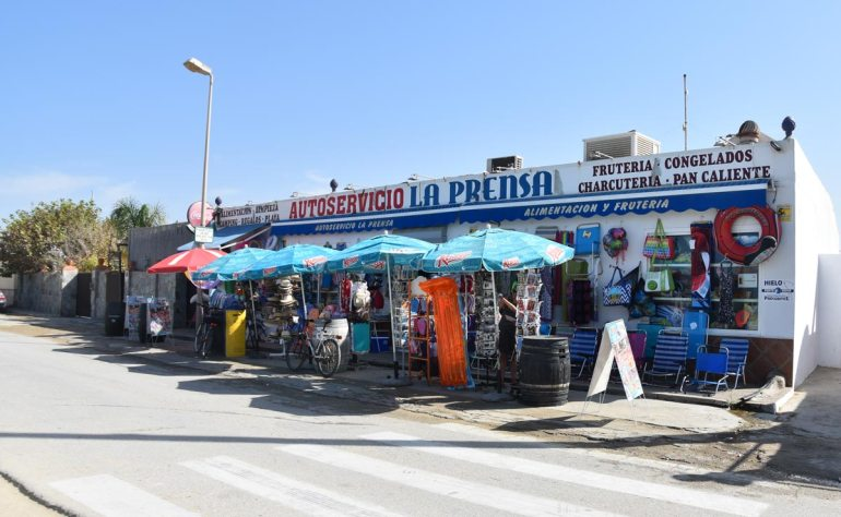 Beach Supermarkt El Palmar
