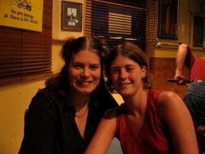 Jacqui und ich beim Cidertrinken