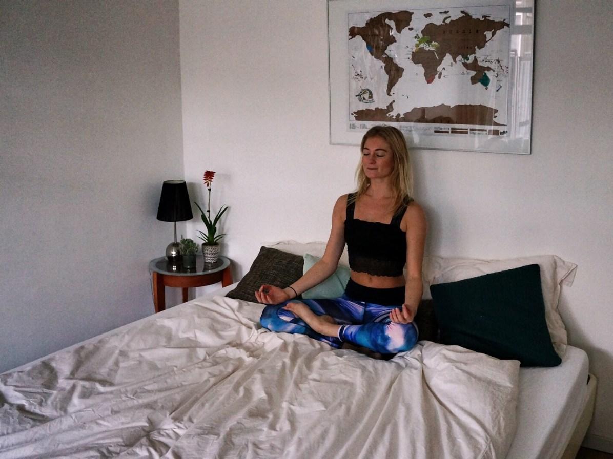 Yoga-oefeningen bij slapeloosheid: Sukasana (kleermakerszit)