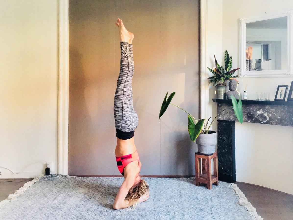Yoga-oefeningen: hoofdstand