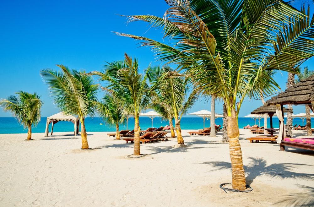 Lækker sandstrand i Dubai
