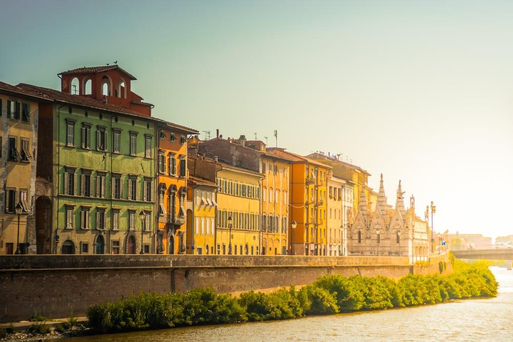 italien-pisa-arno-floden