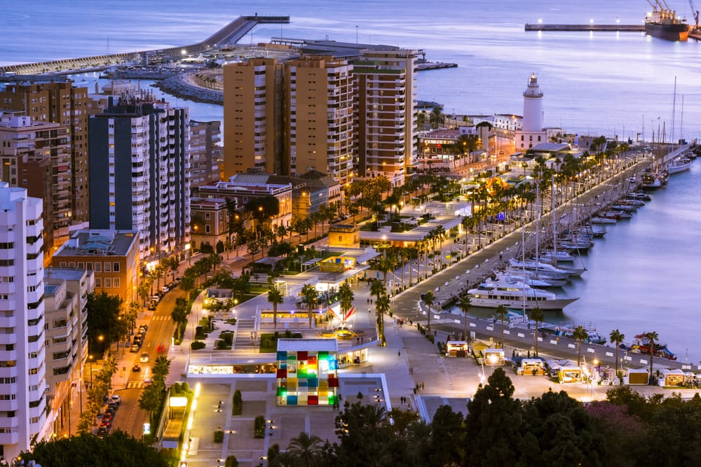 Havnepromenade i Malaga i Spanien