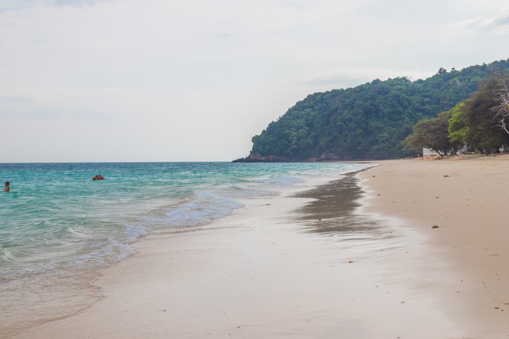 Maiton stranden - Phuket i Thailand