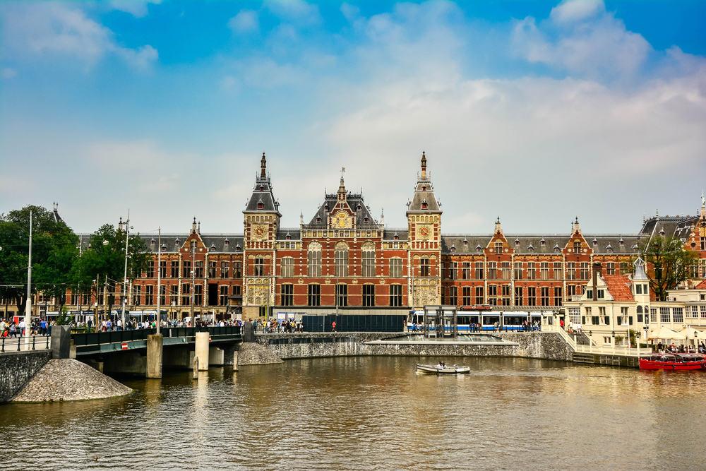 Hovedbanegården i Amsterdam - Holland