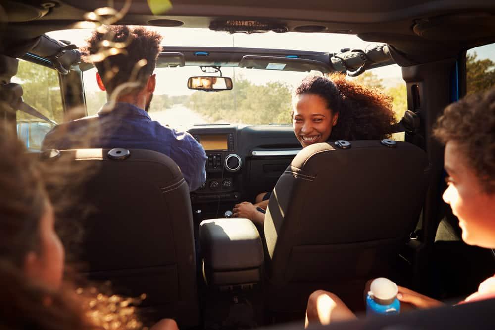 Familie på bilferie