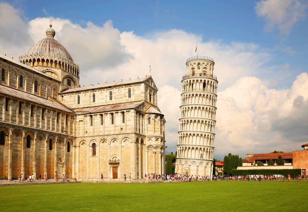 Det skæve tårn i Pisa i Italien