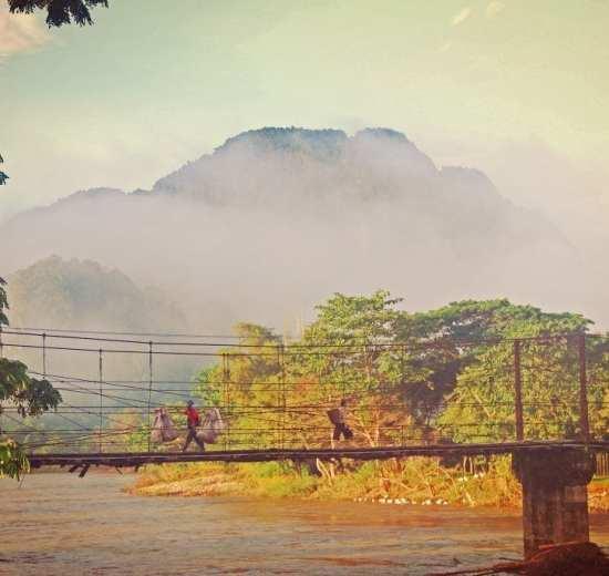 Laos - Luang Prabang - köprü - seyahat