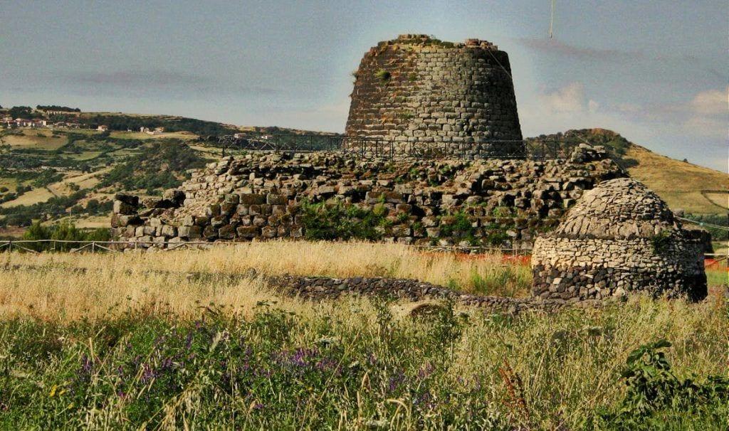 Sardinien Klipper mur Isola Nuraghe Rejser