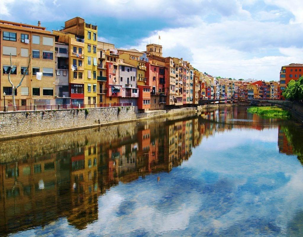 Spanien - Girona, kanal, huse - rejser