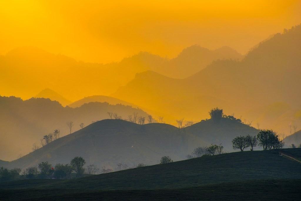 Vietnam - gün batımı, dağlar - seyahat