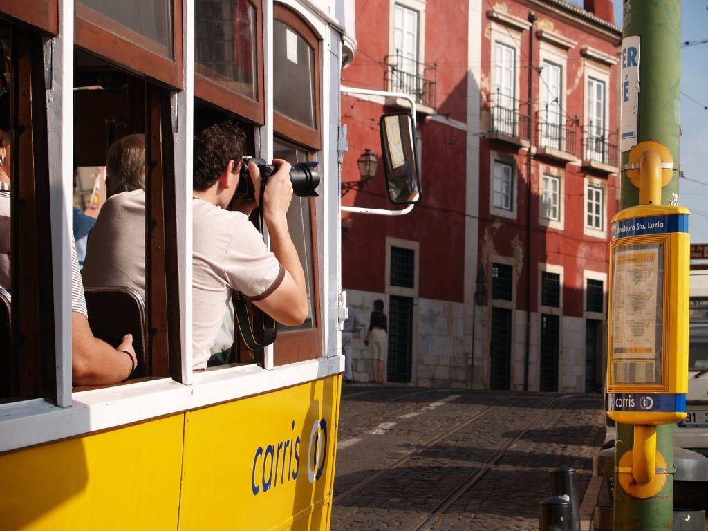 Lissabon - sporvogne - by - rejser